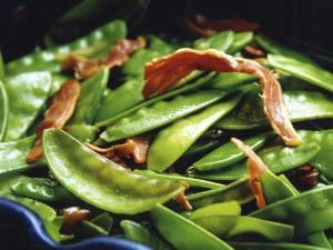 Salade aux pois et magret de canard